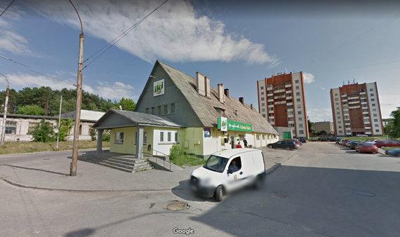 """""""Google Street View"""" nuotr./ Vaduvos g. stovėjusi """"Iki"""" parduotuvė"""