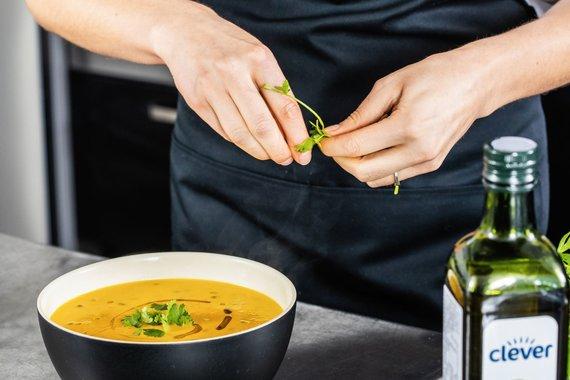 Partnerio nuotr./Pavyks iš pirmo karto: žinoma maisto tinklaraštininkė pasidalino aromatingos sriubos receptu
