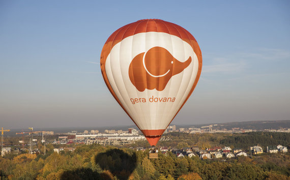 Partnerio nuotr./Romantiškas skrydis oro balionu dviem