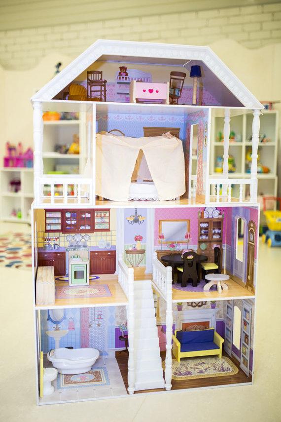 Organizatorių nuotr./Metų žaislas, išrinktas 3-5 metų mergaičių: medinis lėlių namas