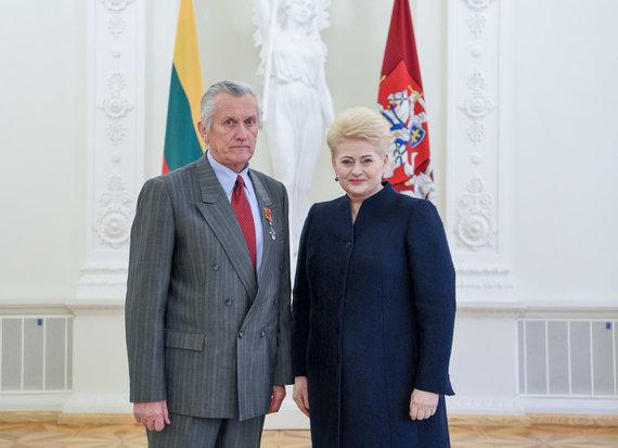 Projekto partnerio nuotr./Treneris A. Šatas ir Prezindentė D. Grybauskaitė