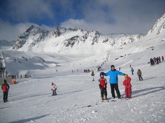 """Kelionių organizatoriaus """"GRŪDA"""" nuotr. /""""GRŪDOS"""" keliautojai slidinėjimo kelionėje Austrijoje"""