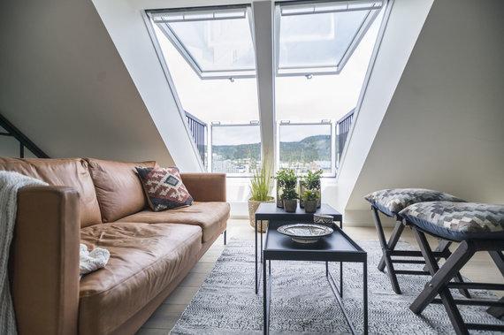 """Bendrovės """"VELUX"""" nuotr./Norvegijos Drammen mieste įgyvendinta įspūdinga palėpės transformacija (palėpės vaizdas po remonto)"""