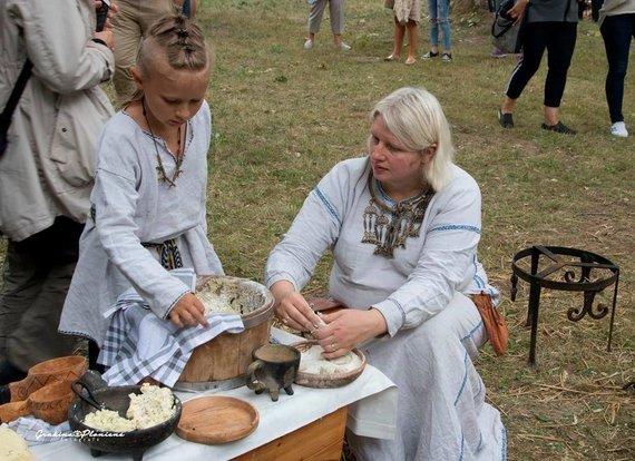 Organizatorių nuotr./ Vikingiškojo autentiško maisto gamintoja EditaNurmi