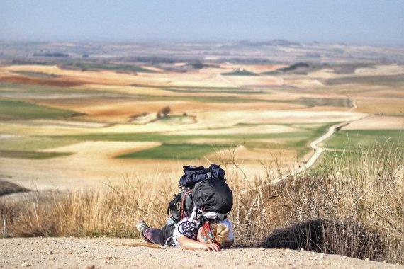 Keliautojų nuotr./Eglė ir Barbora Jokūbo (Camino de Santiago) keliu ėjo ne sezono metu – žiemą. Beveik 800 kilometrų pėsčiomis įveikusios merginos per mėnesį patyrė visus keturis metų laikus, tačiau kelionės pabaigti negalėjo.