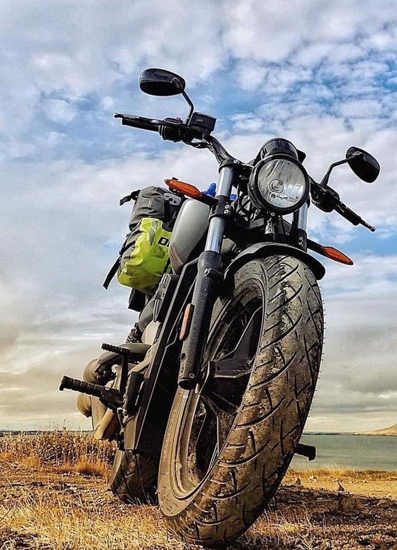 Asmeninio archyvo nuotr. /Islandiją E.Strasevičius per dvi savaites apvažiavo motociklu