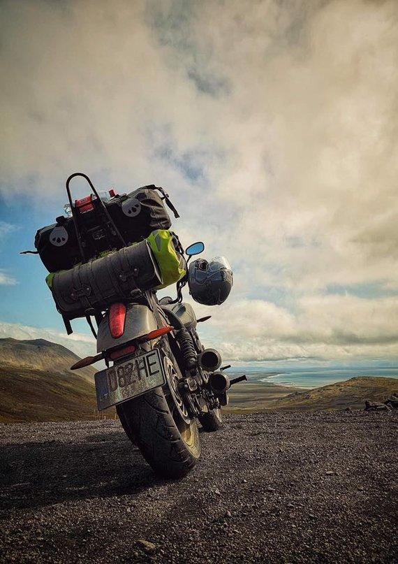 Asmeninio albumo nuotr. /Islandiją E.Strasevičius apvažiavo motociklu