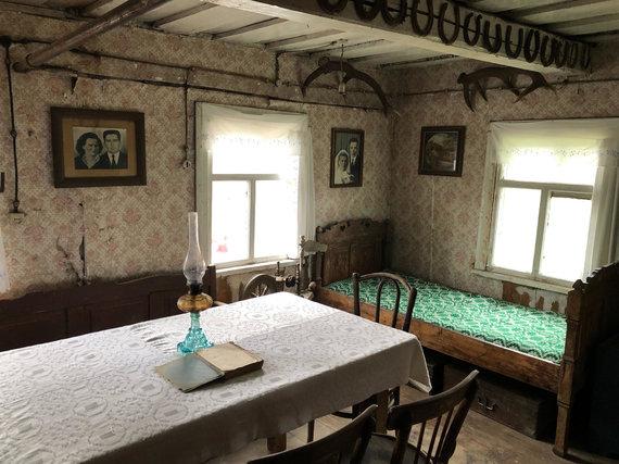 Asmeninio archyvo nuotr. /Dainiaus iš Smilgių kaimo pomėgis – seni daiktai