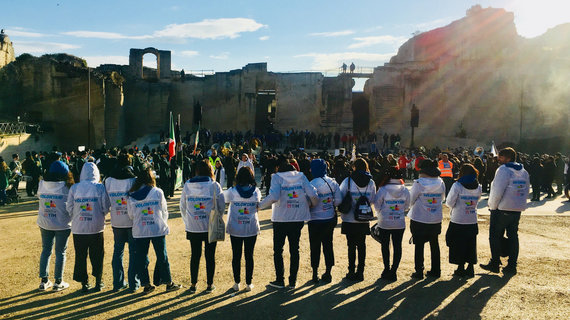 """Pierpaolo Sarra, association """"Volunteers Open Culture 2019"""" nuotr./ Savanoriai """"Matera 2019"""" atidarymo ceremonijoje"""