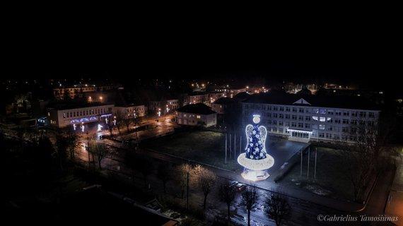 Gabrieliaus Tamošiūno nuotr./Kalėdų eglės Širvintose 2017 m.