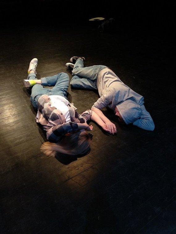 """Artūro Bulotos nuotr. /Nacionaliniame Kauno dramos teatre – spektaklio paaugliams """"Lė-kiau-lė-kiau"""" premjera."""