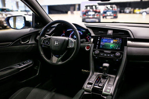 "Egidijaus Babelio nuotr./Konkursas ""Tautos automobilis 2018"": ""Honda Civic"""