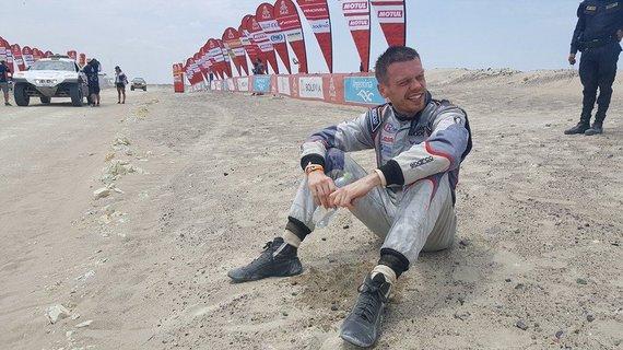 Žilvino Pekarsko / 15min nuotr./Vaidotas Žala po finišo antrąją Dakaro ralio dieną