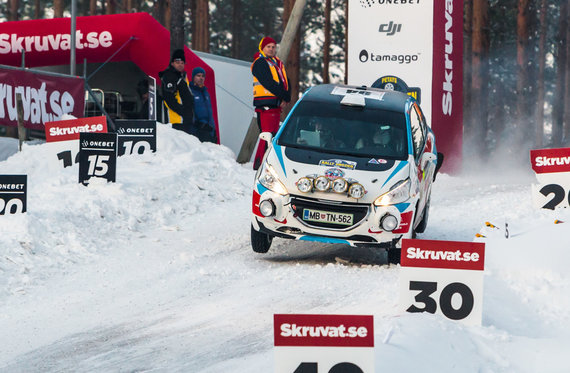Aistės Kirsnytės nuotr./Arctic Energy WRT komanda Švedijos ralyje
