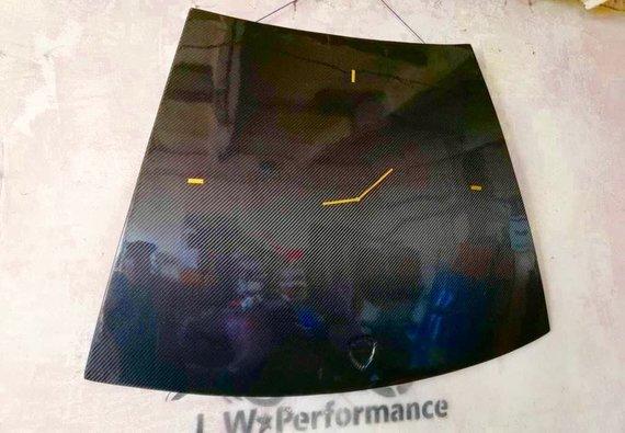 """LW Performance nuotr./Laikrodis iš """"Lamborghini"""" kapoto"""