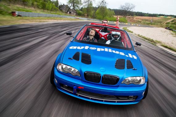 Andriaus Lauciaus nuotr./Trečios serijos BMW kabrioletui stiklo pluošto detalės padėjo numesti per tris šimtus kilogramų svorio