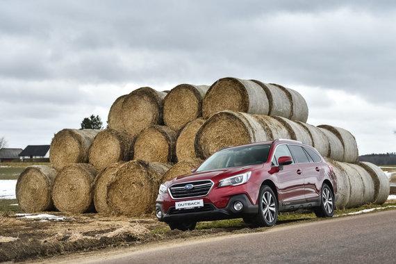 """Vytauto Pilkausko nuotr./""""Subaru Impreza"""" ir """"Subaru Outback"""" bandymai Švedijoje"""