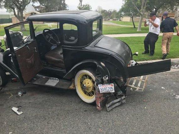 """William Smith nuotr./1931 m. išleistas """"Ford Model A"""" po avarijos visiškai suniokotas"""