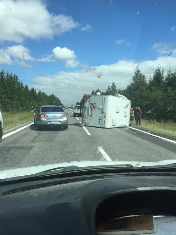 Facebook/Pagalba vairuotojams Šiauliuose nuotr./Įvykio vietoje