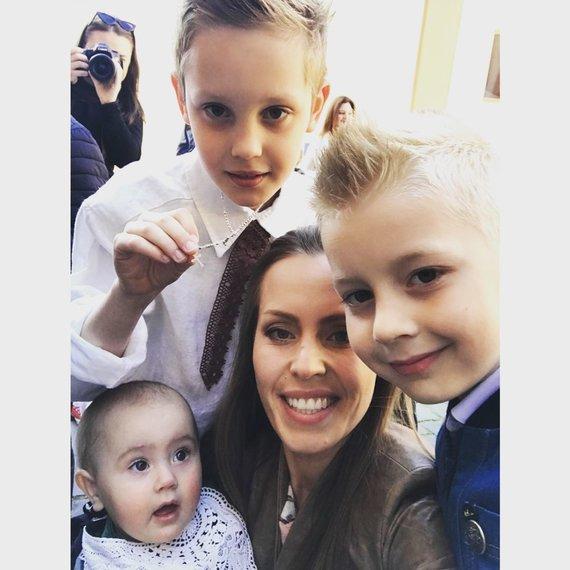 Rūtos Matilionytės/Vaida Grikšaitė su vaikais: Deividu, Roju ir Ema