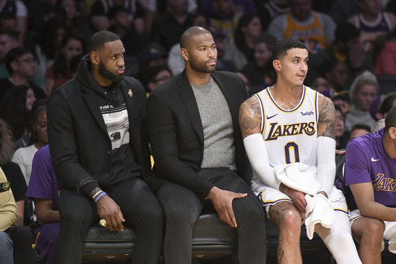 """Scanpix"" nuotr./LeBronas Jamesas, DeMarcusas Cousinsas ir Kyle'as Kuzma"