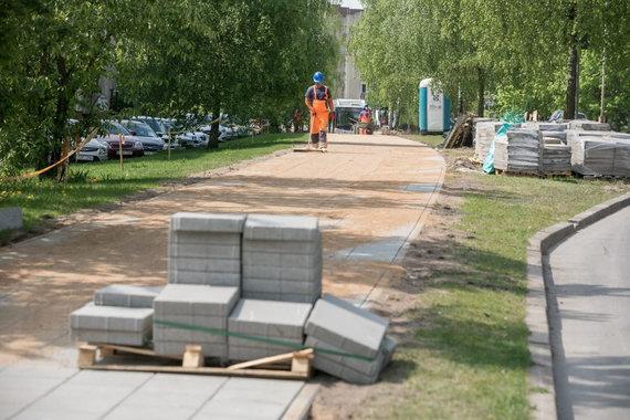 Sauliaus Žiūros nuotr./Šeškinėje tiesiamas naujas dviračių ir pėsčiųjų takas
