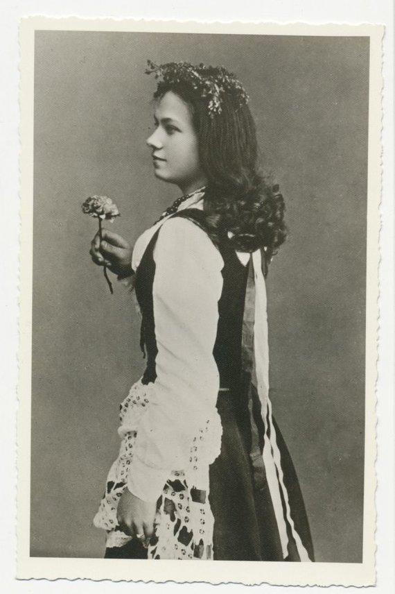 """Marijos ir Jurgio Šlapelių namo-muziejaus archyvo nuotr./Marija Piaseckaitė-Šlapelienė – pagrindinio vaidmens atlikėja pirmojoje lietuviškoje operoje, Miko Petrausko operoje """"Birutė"""", 1906 m."""