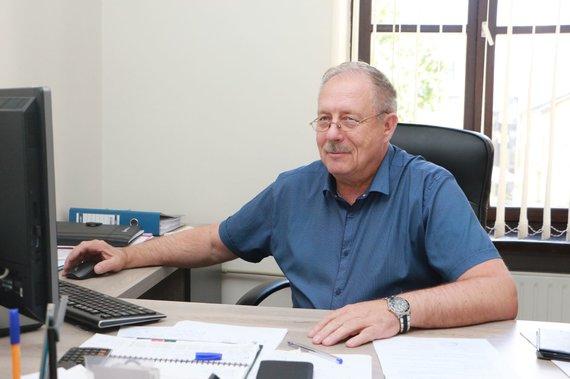 Aldo Surkevičiaus nuotr./Kęstutis Vaitkevičius teigia suprantantis, kad žmonėms vis tiek baugu imti paskolą ir tvarkyti bendrai naudojamas patalpas, kai patys vos susimoka visus mokesčius.