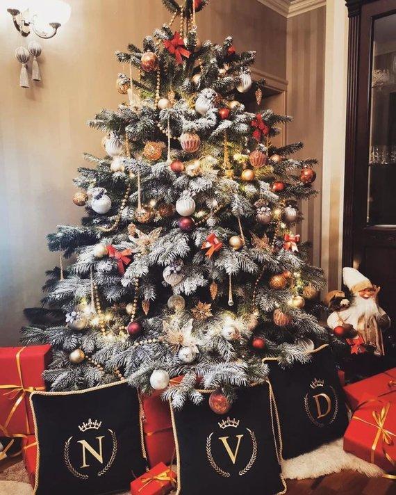Asmeninio albumo nuotr./Viktorijos Siegel namuose sužibo kalėdinė eglė
