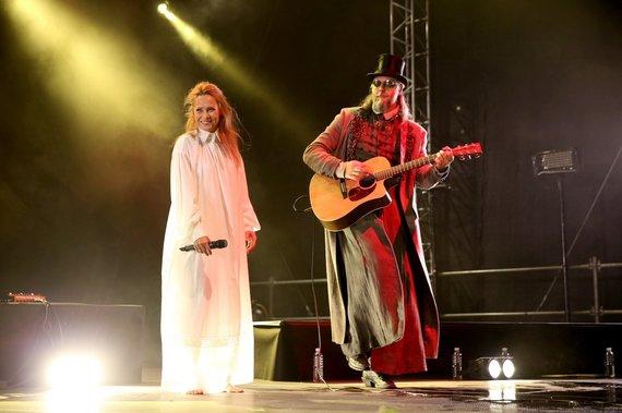 """Koncerto organizatorių nuotr./Aistė Smilgevičiūtė ir grupė """"Skylė"""" pristatė pirmąjį žemaitišką albumą"""