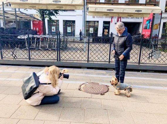 Asmeninio albumo nuotr./Gabijos Kavaliauskaitės fotografuojamas šuo