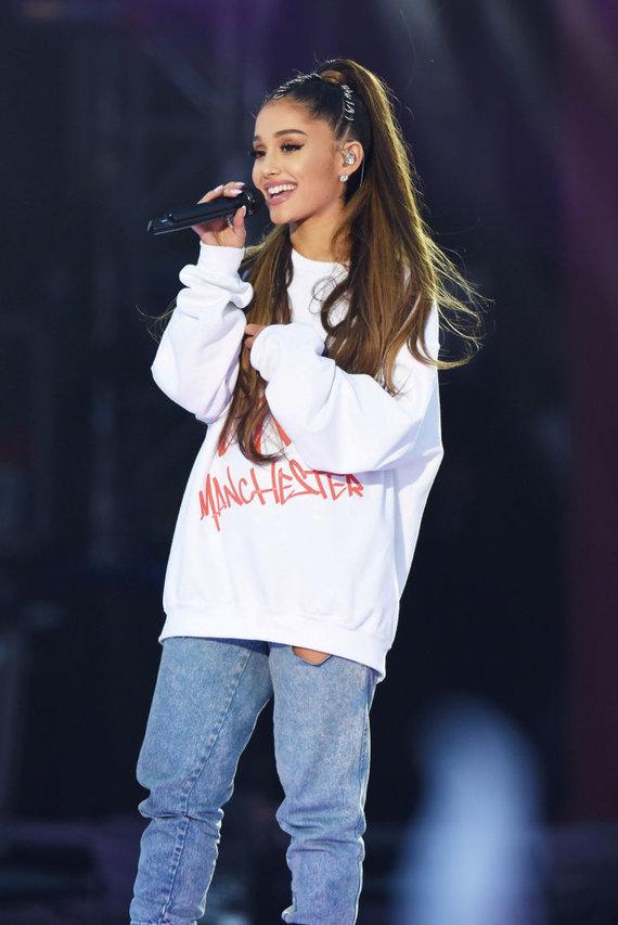 """Scanpix"" nuotr./Ariana Grande paramos koncerto ""One Love Manchester"" metu"