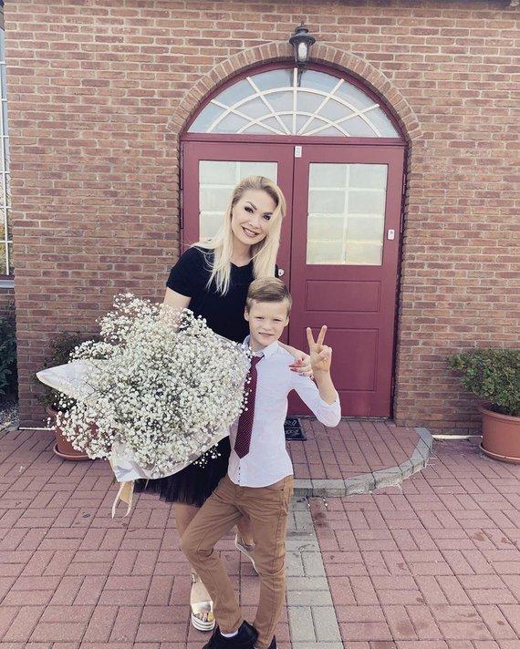 Asmeninio albumo nuotr./Natalija Bunkė sūnų Kristupą išleidžia į antrą klasę