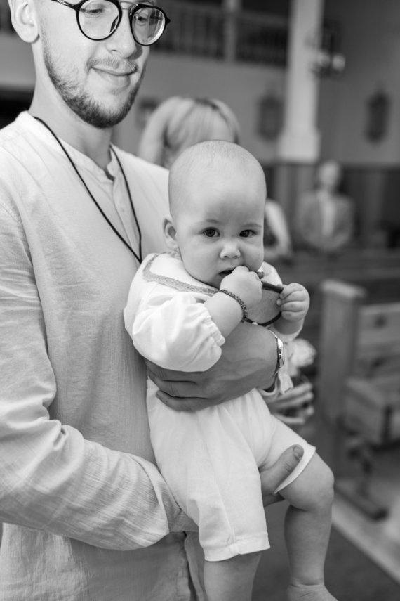 Asmeninio albumo nuotr./Lino Vaitkevičiaus ir jo sužadėtinės Rūtos sūnaus Nojaus krikštynos