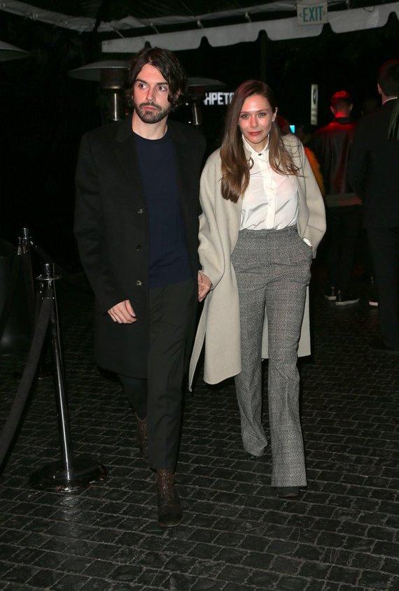 Vida Press nuotr./Elizabeth Olsen ir Robbie Arnettas