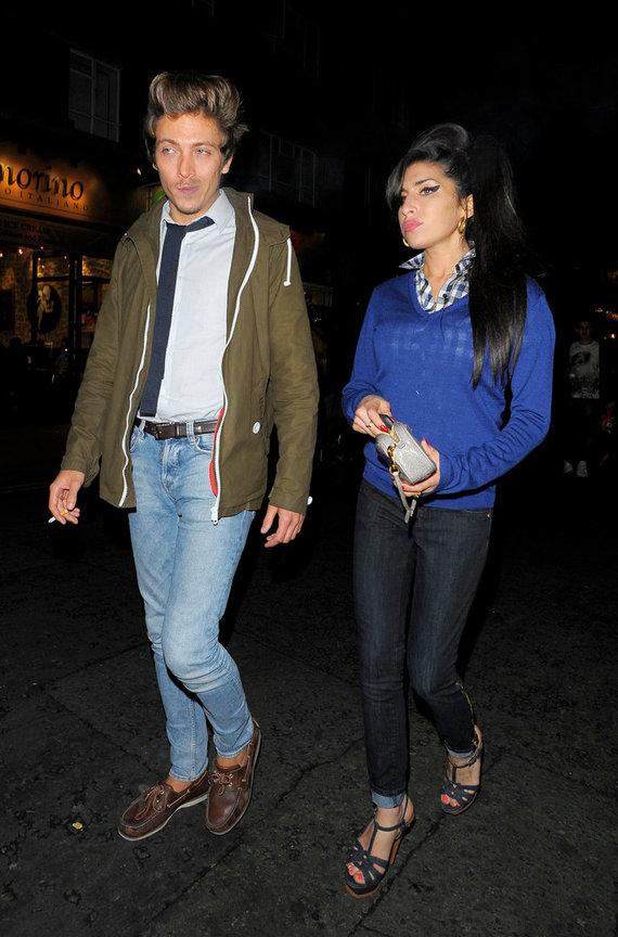 Vida Press nuotr./Amy Winehouse ir Tyleris Jamesas