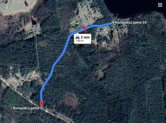 15min nuotr./Atstumas nuo pagrindinio kelio iki Lašinskų sodybas (raudona spalva pažymėta vieta, kurioje užversta kelias)