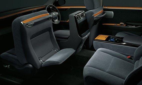 Toyota nuotr./Vilna yra minkšta, tyli ir šilta, o ir spalvą Toyota parinko tobulai