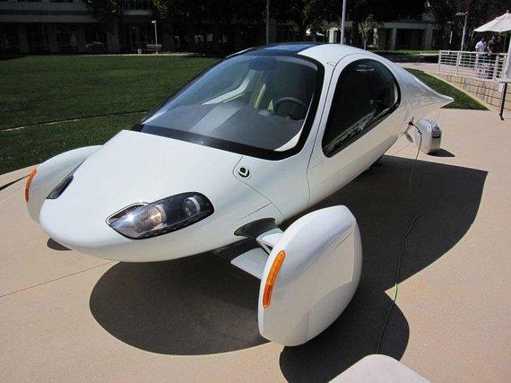 Wikimedia nuotr./Aptera buvo itin aerodinamiškas elektromobilis, tačiau pasiekti masinės gamybos jam nepavyko