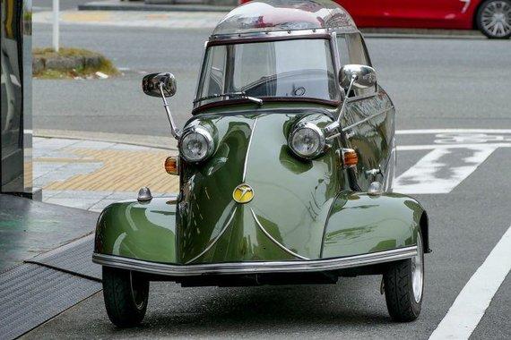 Wikimedia nuotr./Messerschmitt KR200 buvo gaminamas kaip itin pigi, už motociklą šiek tiek praktiškesnė transporto priemonė