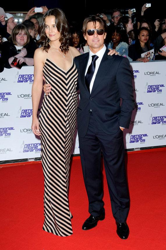 Vida Press nuotr./Katie Holmes ir Tomas Cruise'as 2010 metais