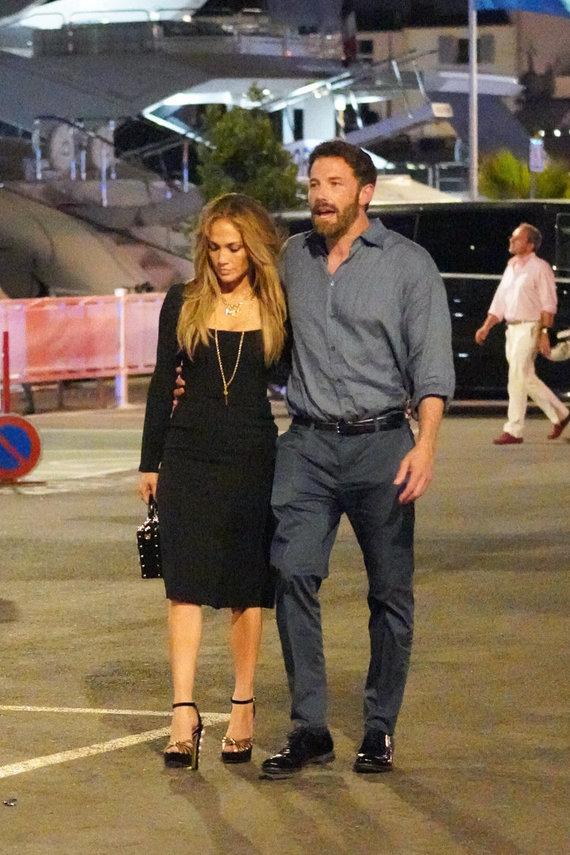 Vida Press nuotr./Jennifer Lopez ir Benas Affleckas San Tropeze