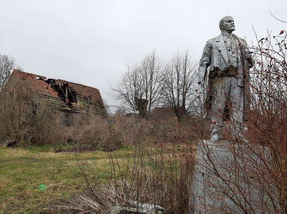 Bendruomenės albumo nuotr./Vladimiro Lenino skulptūra Karaliaučiaus Matininkų gyvenvietėje