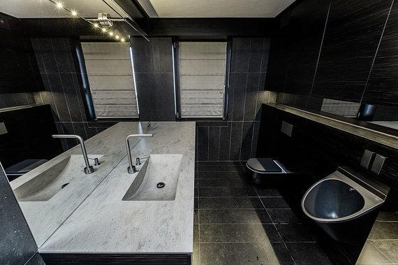 Aruodas.lt nuotr./Dviejų aukštų bute Laisvės alėjoje – net du vonios kambariai