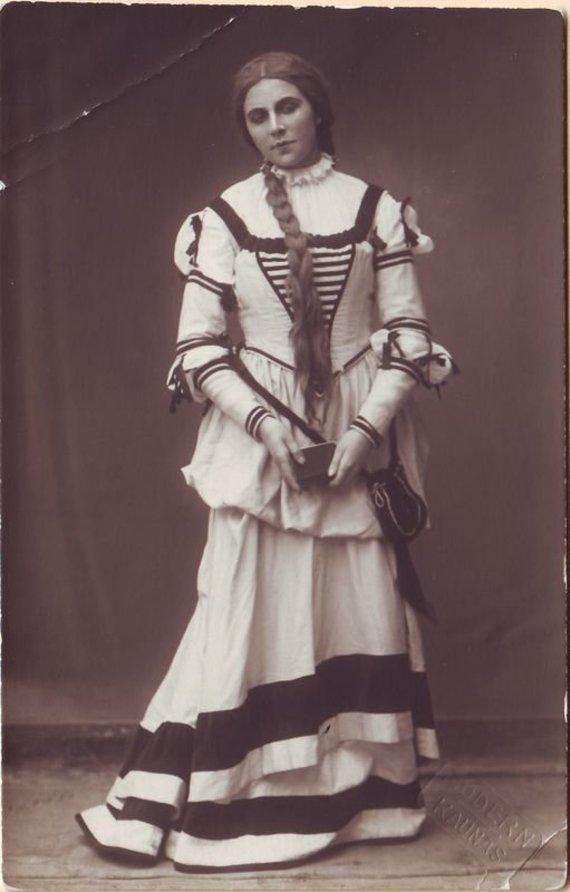 """Europeana"" nuotr./Mikaela – Adelė Galaunienė. G.Bisset ""Karmen"". 1924 m."