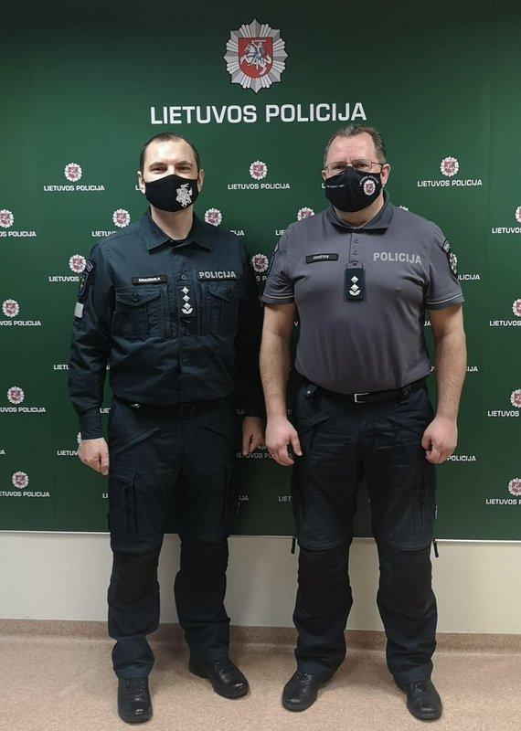 Pagėgių policijos komisariato nuotr./Marius Jakštas su kolega