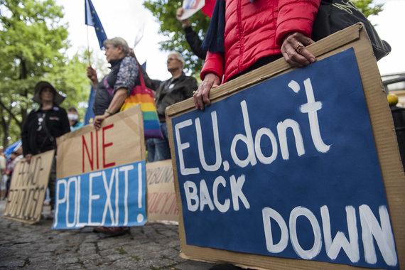 ZUMAPRESS / Scanpix nuotr./Lenkijos narystę Europos Sąjungoje palaikančių žmonių protestas
