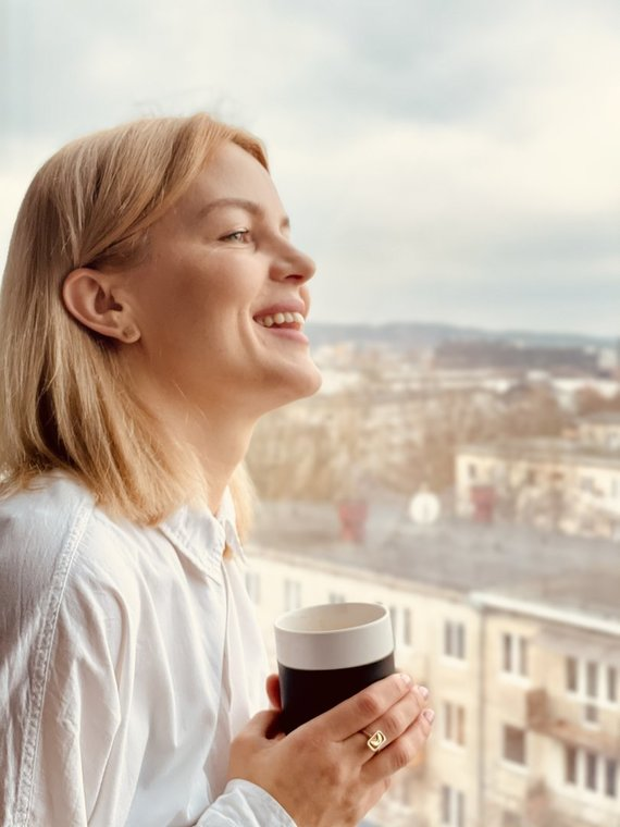 """P. Miškinio Eidukonio nuotr./R. Kulvinskytė: """"Paprasčiausi blynai veikia lyg konstanta, patvirtinanti, kad gyvenime viskas bus gerai."""""""