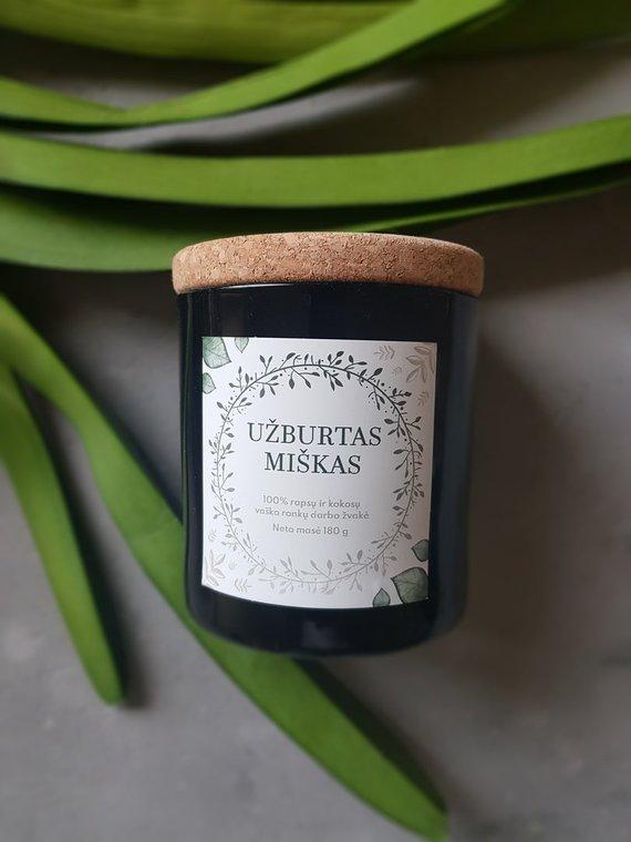 Asmeninio archyvo nuotr./Sojų vaškas yra augalinės kilmės, turi neutralią balkšvą spalvą ir šiek tiek sojų pupelių kvapo, geriau nei parafinas leidžia sukurti gerą spalvą ir atskleisti aromatines natas.