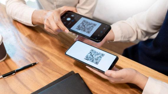 Shutterstock nuotr./Gudrybės lengvesniam telefonų naudojimui: baterija veiks ilgiau, o akys pavargs mažiau